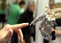 رابطه ذهنی انسان و ربات